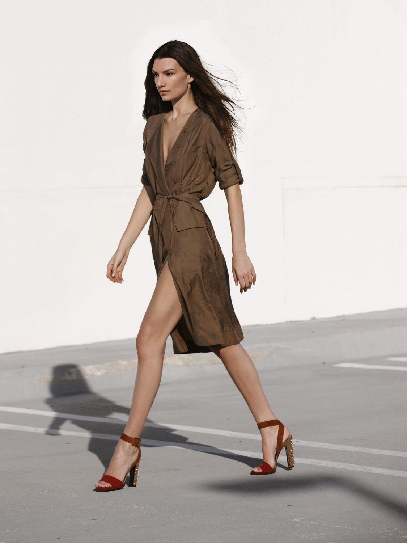 Jak rozpoznać oryginalne sukienki Versace?